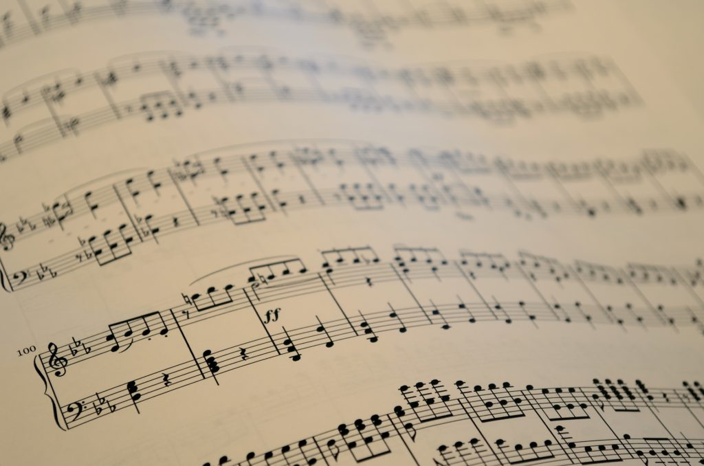Notenblattt © pixabay / sheet-music-1229481_1920